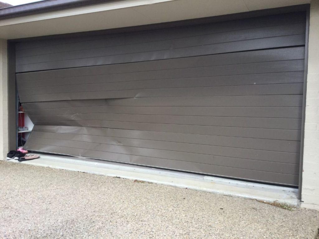 garage brocken door replacement brisbane
